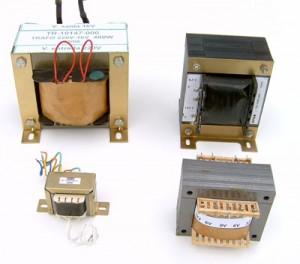 https://www.infoescola.com/wp-content/uploads/2011/01/transformadores-300x264.jpg