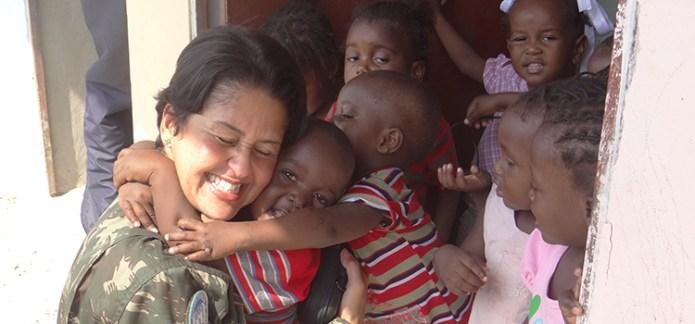 Coronel Carla chefiou a Seção de Intérpretes do Batalhão do 17º Contingente da Missão das Nações Unidas para Estabilização do Haiti