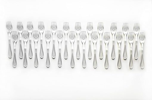 24 piece clear set in a line