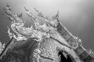 wat-rong-khun-the-white-temple-chiang-rai-mick-shippen