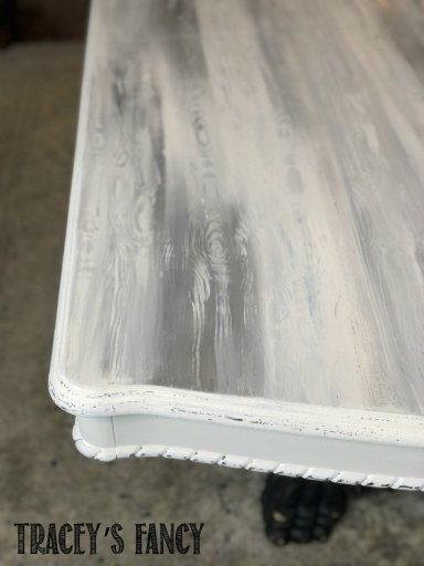 Faux wood grain painted table top with chalk paint in one hour | Tracey's Fancy
