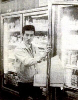 ทำไมตู้เย็นใน 7-Eleven จึงเติมของจากทางด้านหลัง