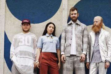 Little Dragon - Best Friends