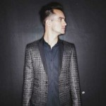 "Panic! At The Disco libera videoclipe de ""Don't Threaten Me With A Good Time"""