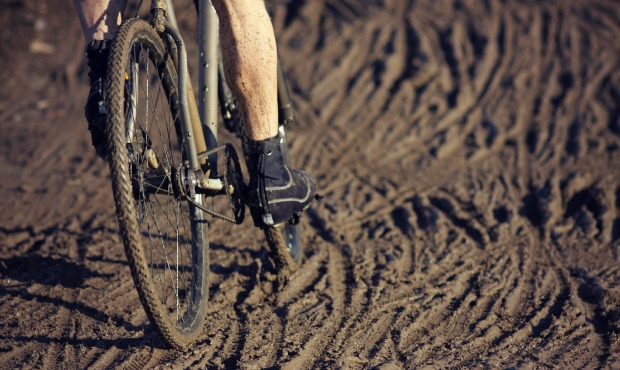 tracklocross racing in mud