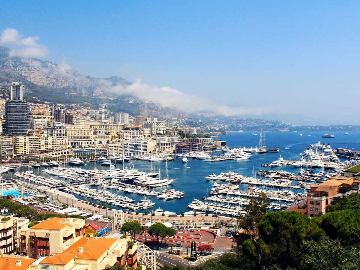 luxury monaco port yachts
