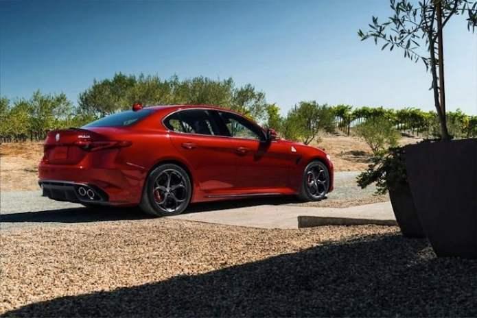 Alfa-Romeo-Giulia-rear-view
