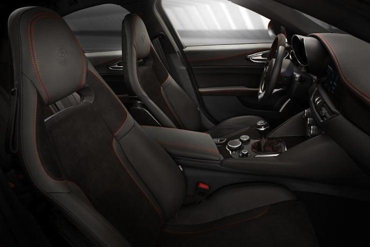 Alfa-Romeo-Giulia-seats