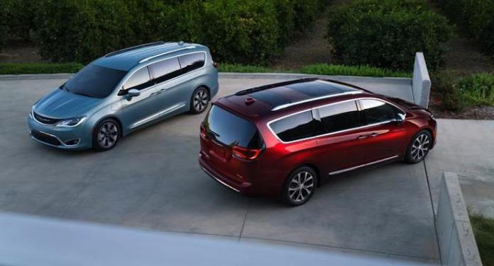 2017-chrysler-pacifica-top-view