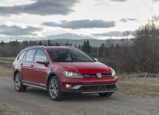 2017-vw-golf-alltrack-review-14