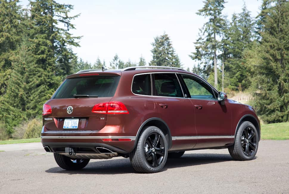 2017 Volkswagen Touareg Review rear profile