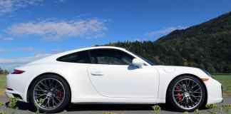 2017 Porsche 911 Carrera 4S Review 9