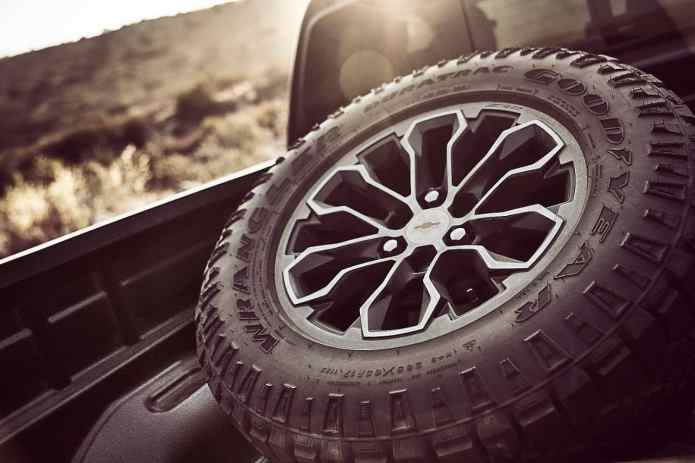 2017 chevrolet colorado zr2 spare tire