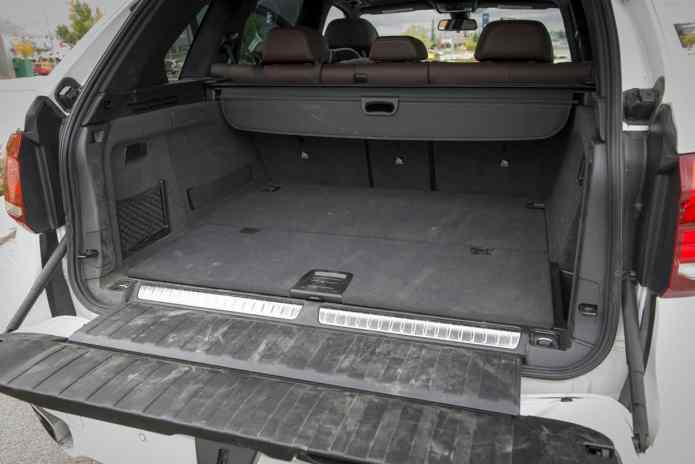 2017 BMW X5 xDrive40e iPerformance review rear cargo