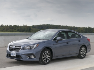 2018 Subaru Legacy Review front