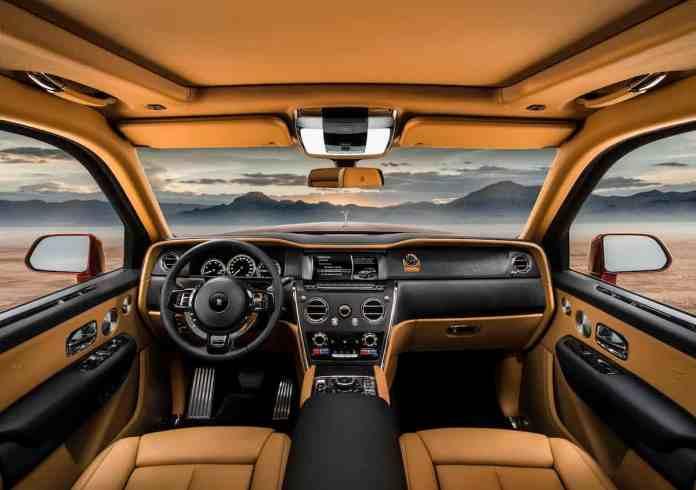 2019 Roll-Royce Cullinan SUV interior