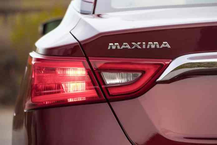 2018 Nissan Maxima rear light red