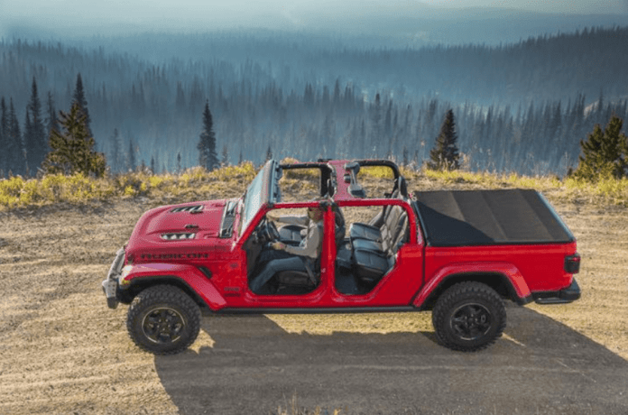 2020 Jeep Gladiator sideview