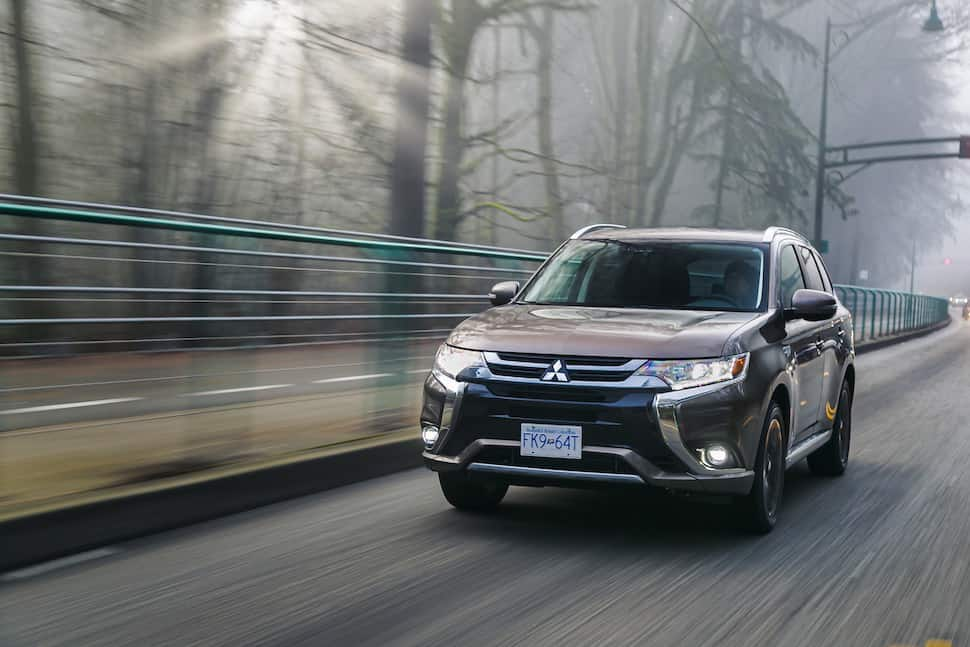 Mitsubishi Outlander PHEV specs front view rolling