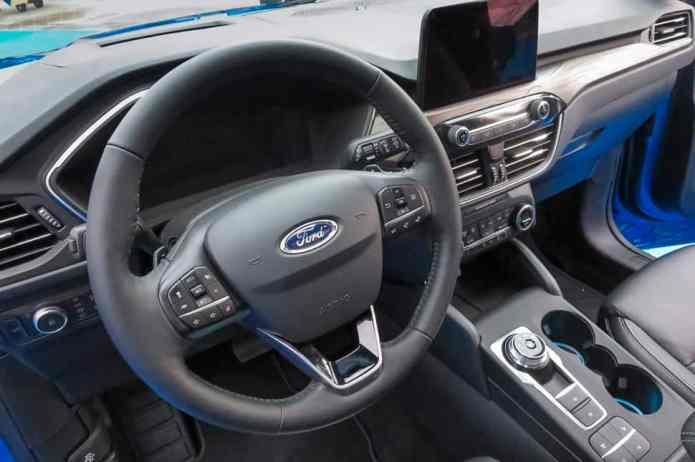 2020 ford escape interior front