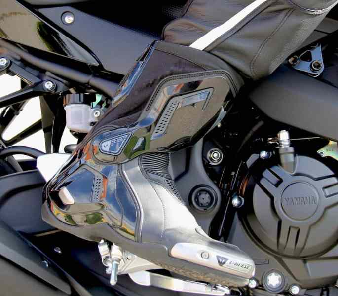 dainese d1 motorcycle boot review on bike
