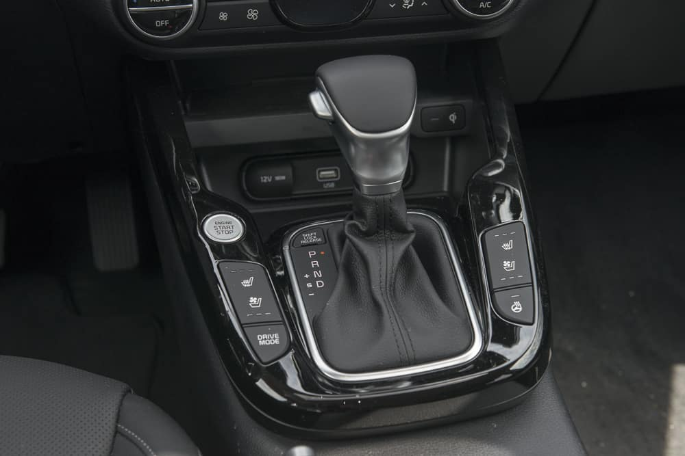 2020 Kia Soul shifter interior