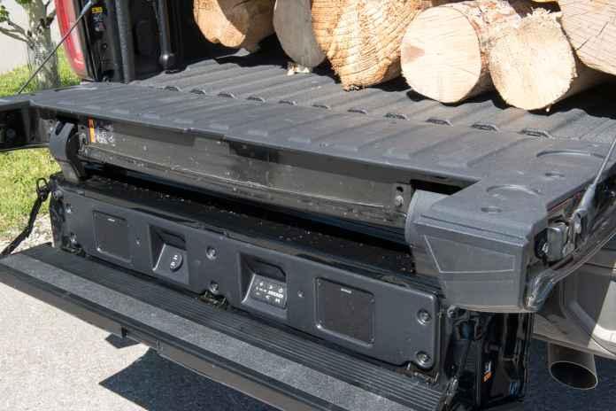 2020 GMC Sierra 2500HD tailgate