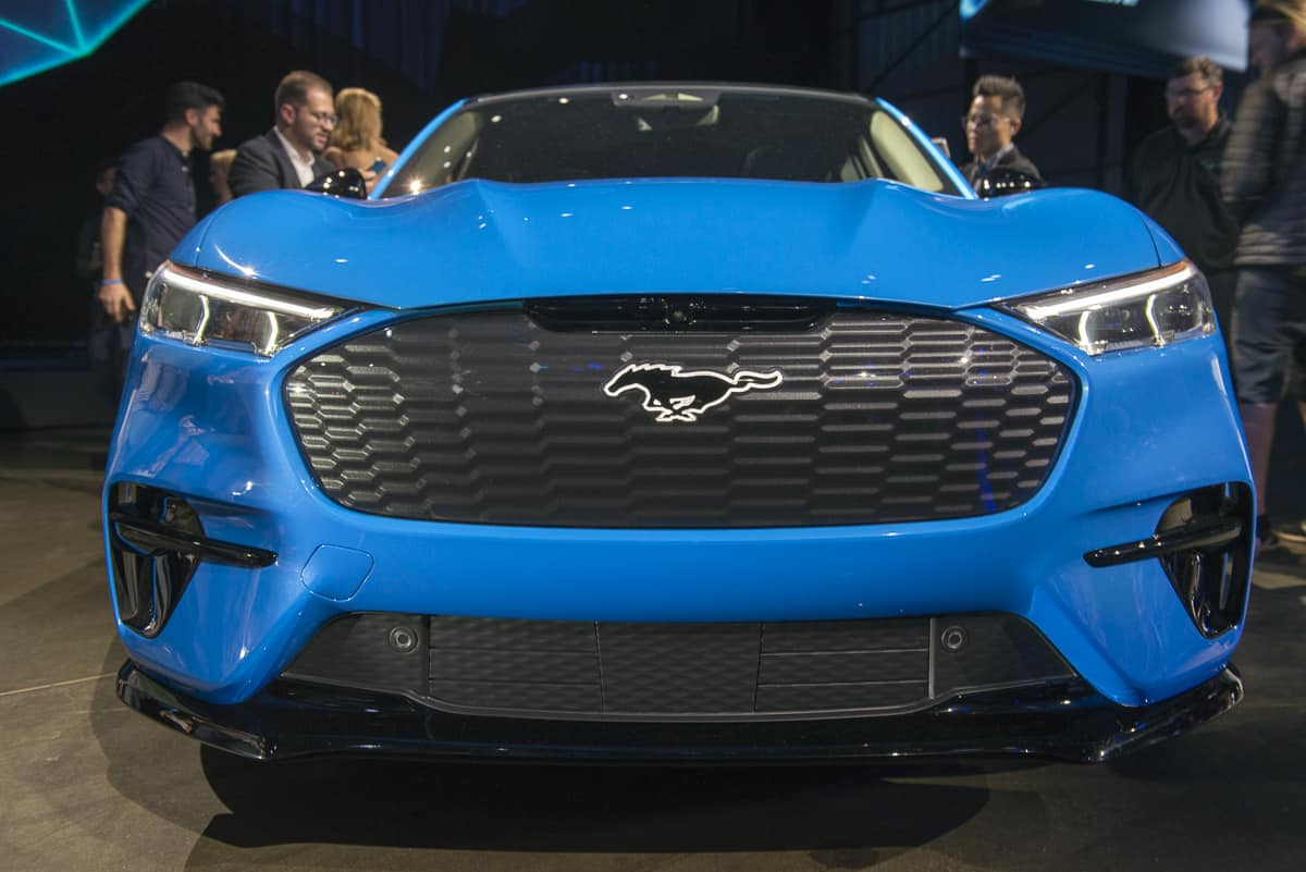 2020 Ford Mustang Mach-E tractionlife (8 of 40)