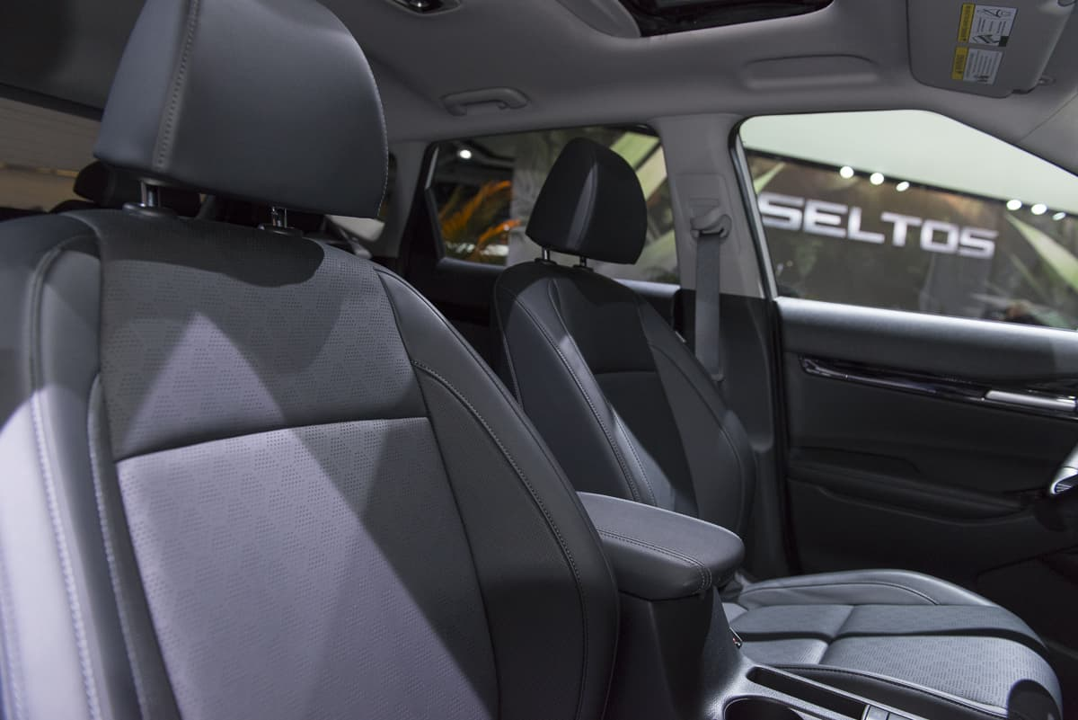 2020 Kia Seltos Small SUV (12 of 14)