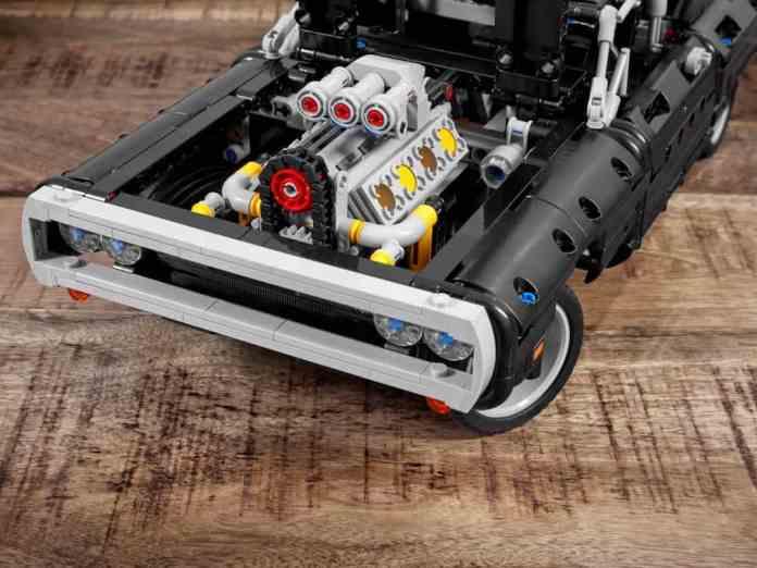 doms charge lego technic set engine