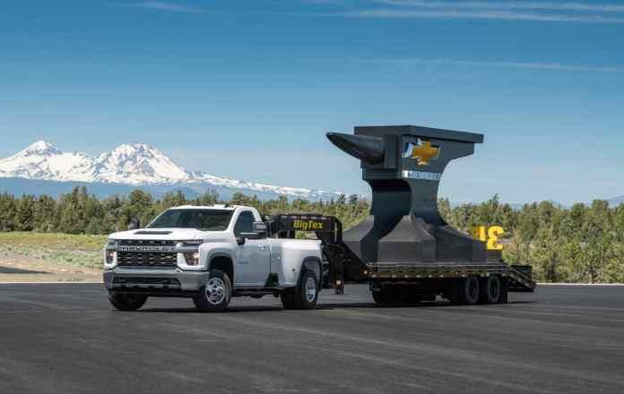 2020 Chevrolet Silverado 3500 HD towing capacity and payload specs