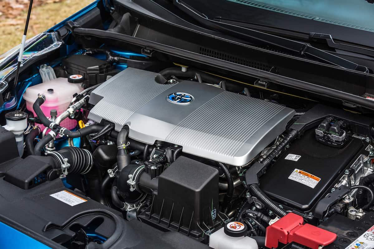 2020 Toyota Prius xle awd hatchback engine