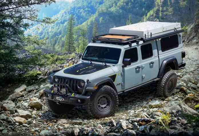 """Diesel-powered Jeep Gladiator Overlander """"Farout"""" Concept front"""
