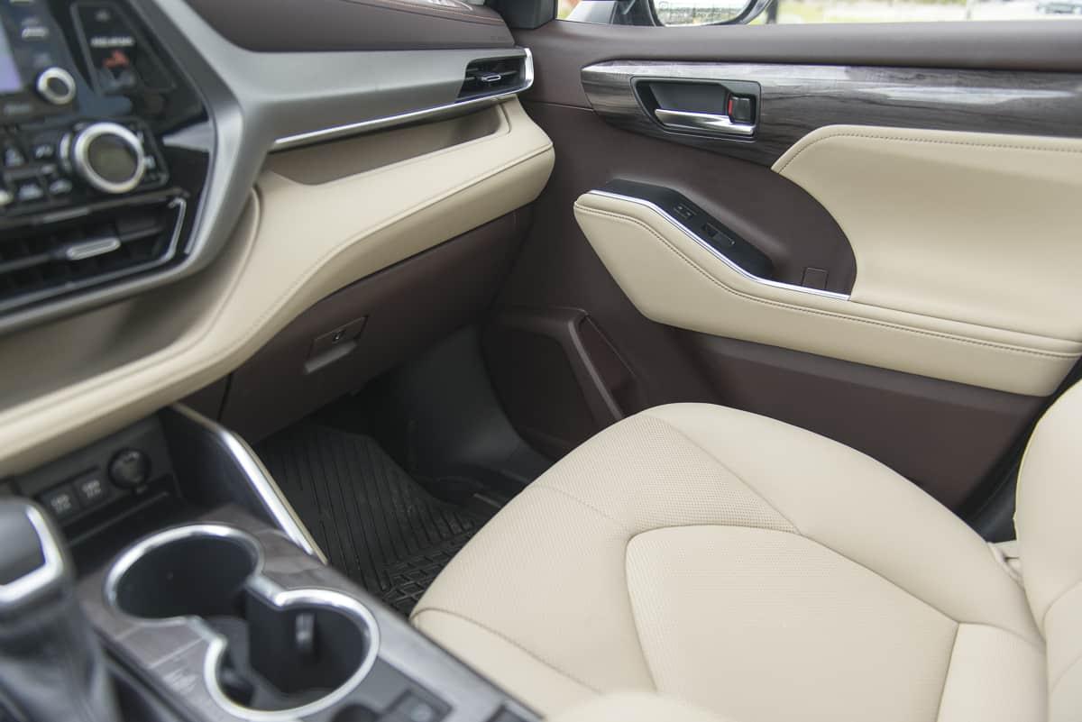 2020 Toyota Highlander Hybrid (18 of 18)