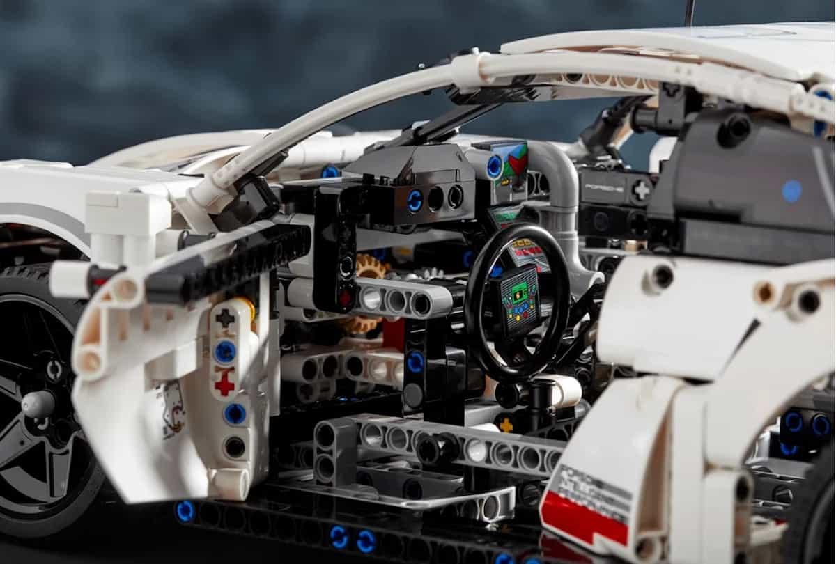 LEGO Technic Porsche 911 RSR cockpit copy