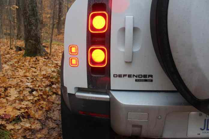 2021 land rover defender 110 rear taillight