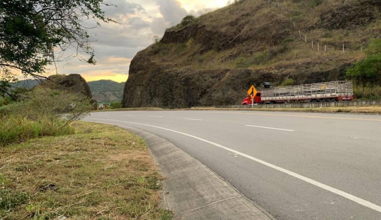 ampliación de vía a Buenaventura