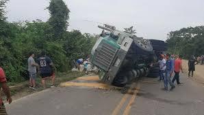 Saquean camión
