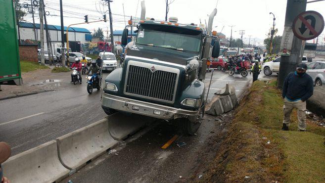 camión chocó bicicarril