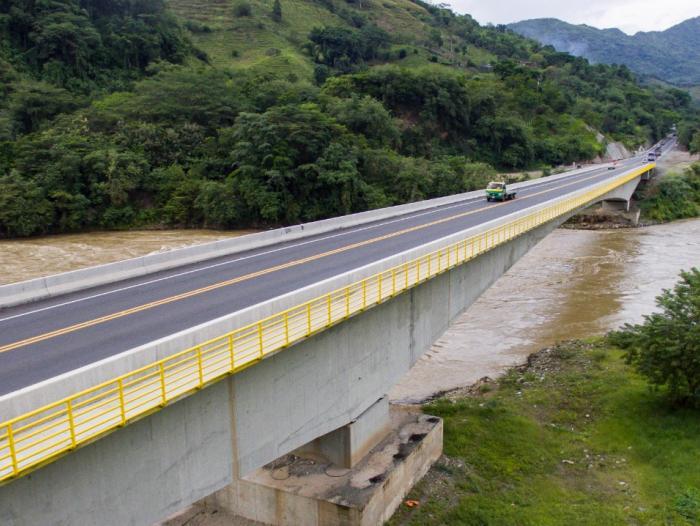 entrega 20 proyectos infraestructura
