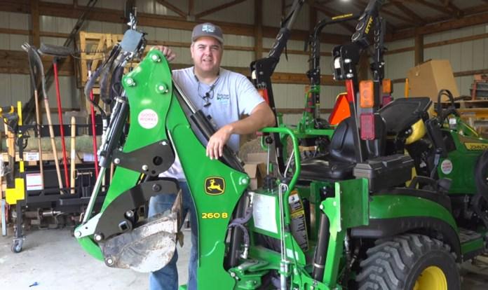 John Deere 260B Hydraulic Thumb