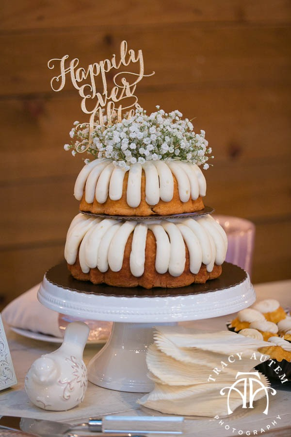 Judge Wedding Details Blog Classic Oaks Ranch Outside nature May I Serve You Mockingbird Bridal DiFiori Nothing Bundt Cakes -19