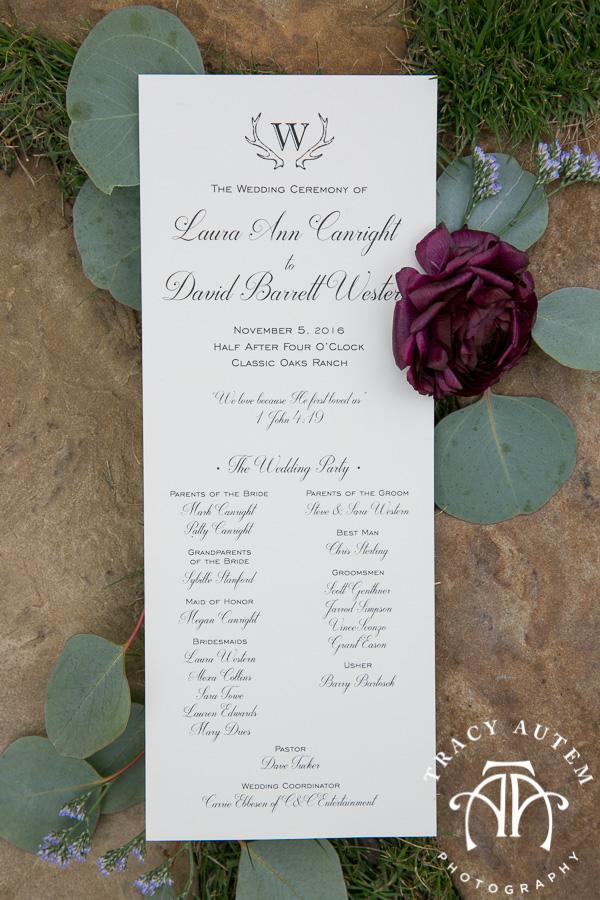 laura-and-david-wedding-details-classic-oaks-venue-wedding-reception-ideas-purple-tcu-flowers-justines-love-sign-rustic-tracy-autem-photography-0022
