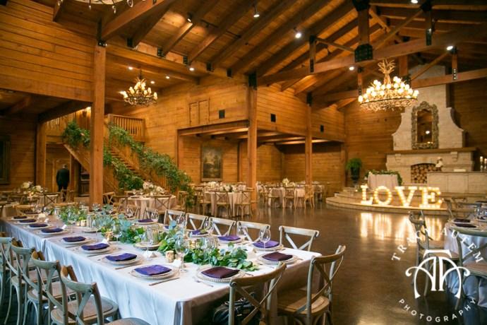 laura-and-david-wedding-details-classic-oaks-venue-wedding-reception-ideas-purple-tcu-flowers-justines-love-sign-rustic-tracy-autem-photography-0032