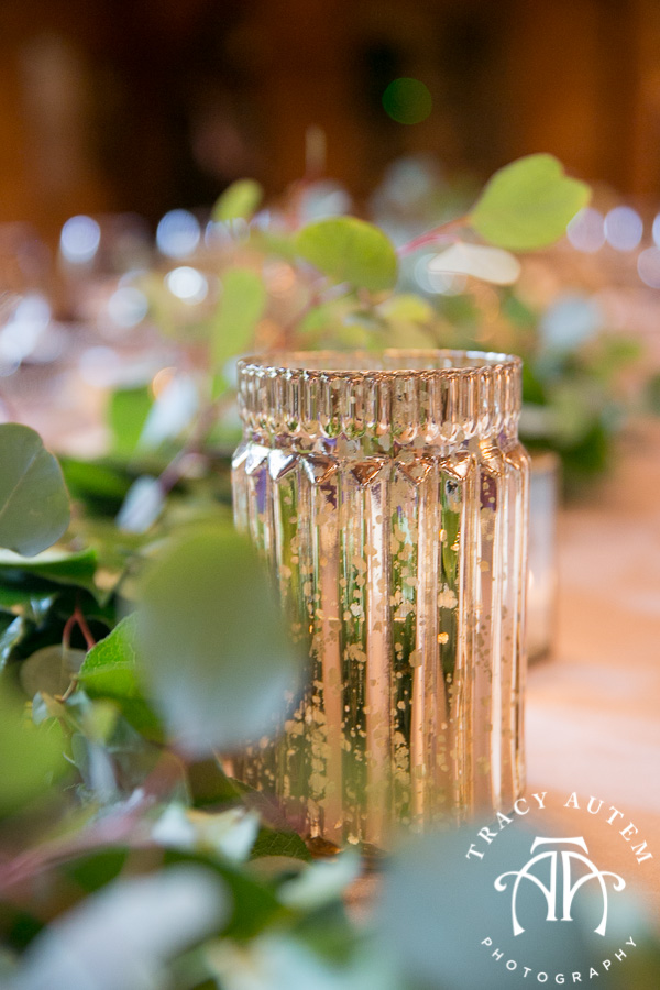 laura-and-david-wedding-details-classic-oaks-venue-wedding-reception-ideas-purple-tcu-flowers-justines-love-sign-rustic-tracy-autem-photography-0034