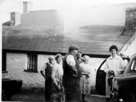 Rear of Overbrook farmhouse @1950s. L to R: Syd Davies (my Grandad), Auntie Lil (his sister) Sid Harris (Uncle Ern's brother), Uncle Ern , Auntie Min (Grandad's sister), Jackie Davies' mother