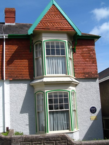 5 Cwmdonkin Drive, one time home of Dylan Thomas... and Harri Roberts