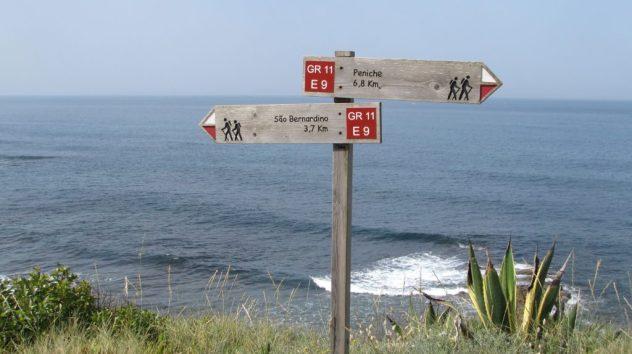 GR11 waymarks, Silver Coast, Portugal