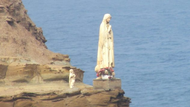 Saintly figure, Porto Novo