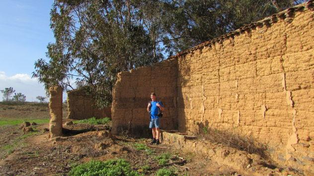 Ruin near Barão de São João, Lagos, Algarve